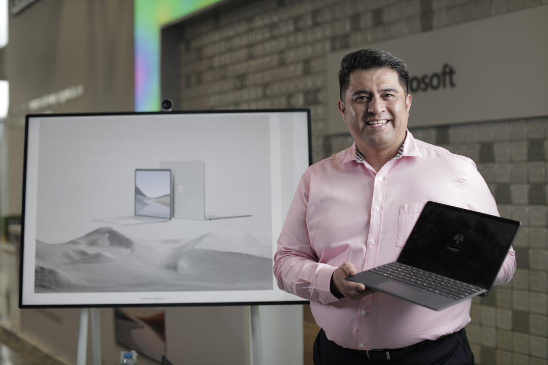 Ulises Cabrera Mexico Microsoft Surface